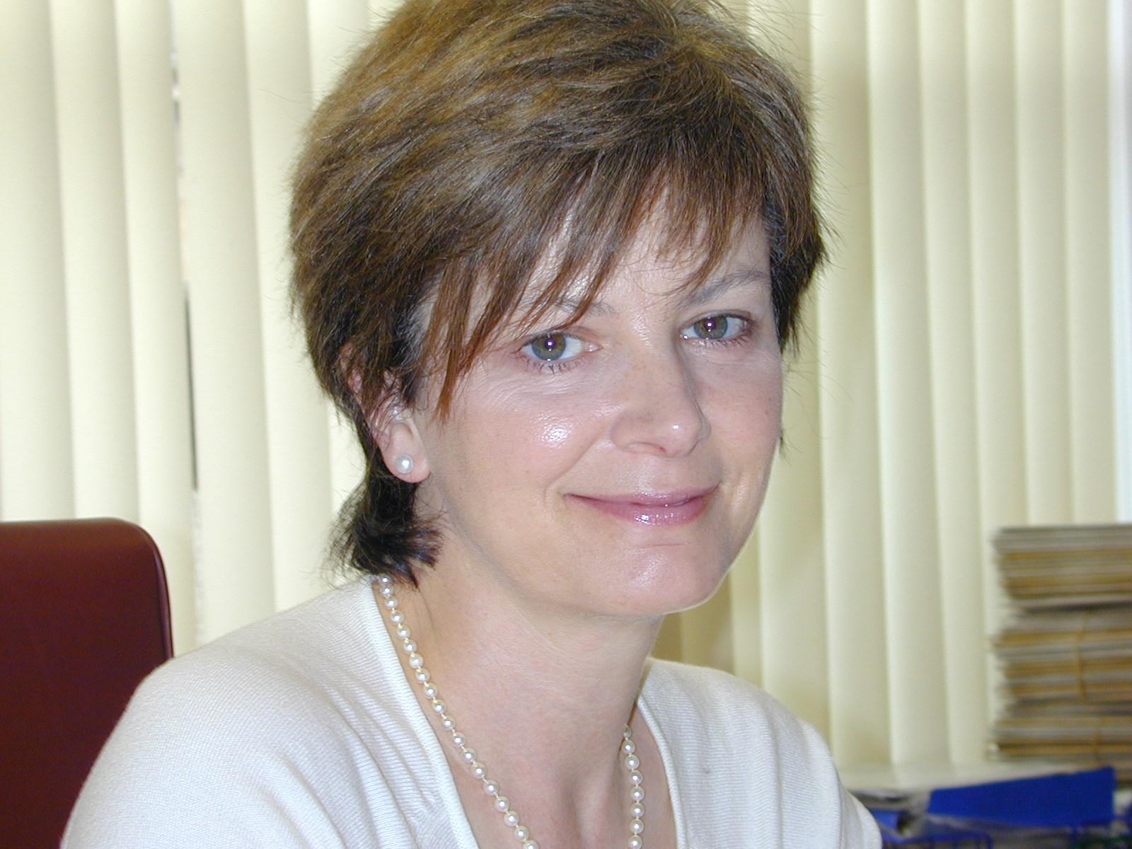 Dr Hilary Dobson